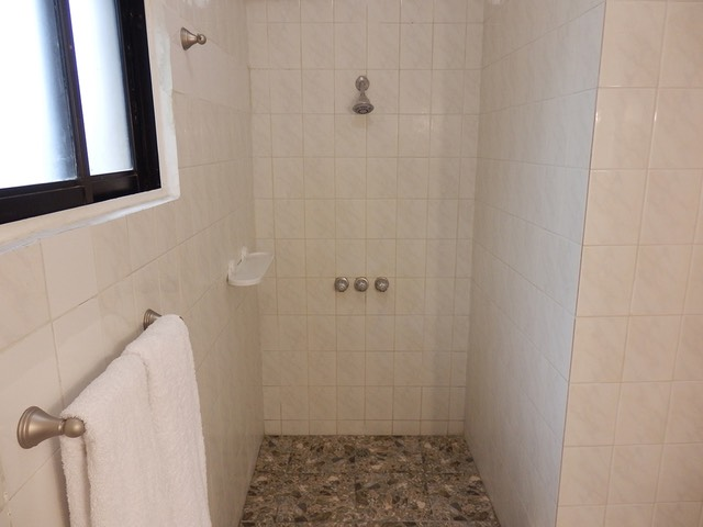 LQ19Shower02-ph-ok-1200